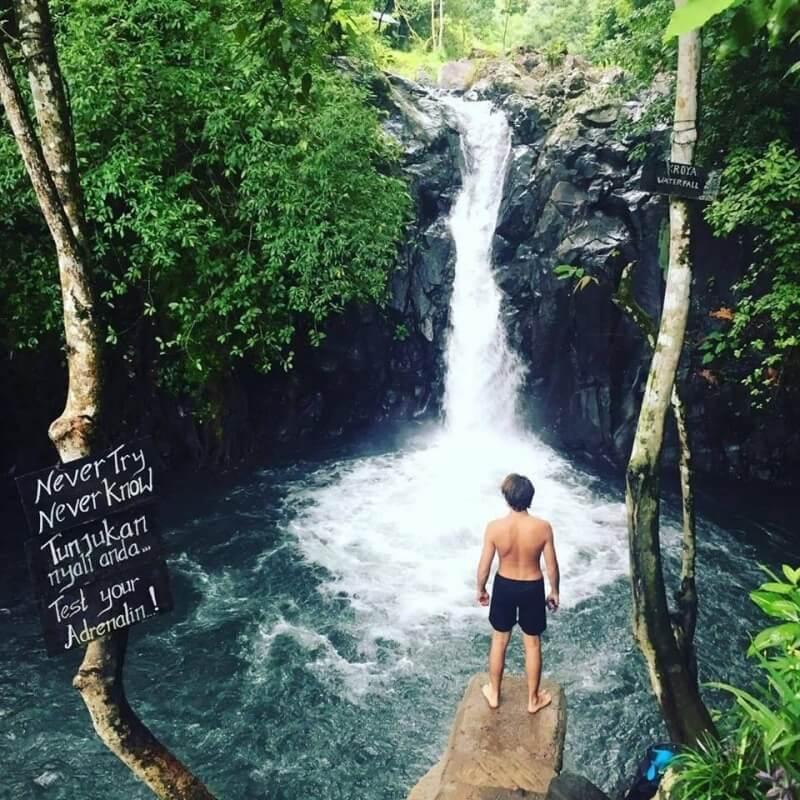 Perama Tour :: Daily Tours, Bali, Aling-Aling Waterfall Tour